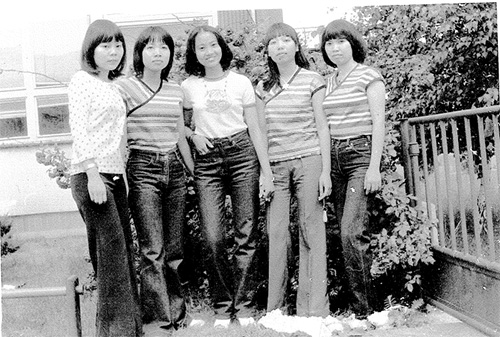 vietnam-fashion-in-the-1980s-4